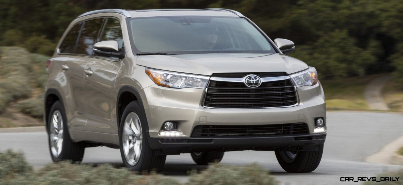 Buyers guide to the 2014 toyota highlander with specs pricing and 88 photos for 2013 toyota highlander exterior colors