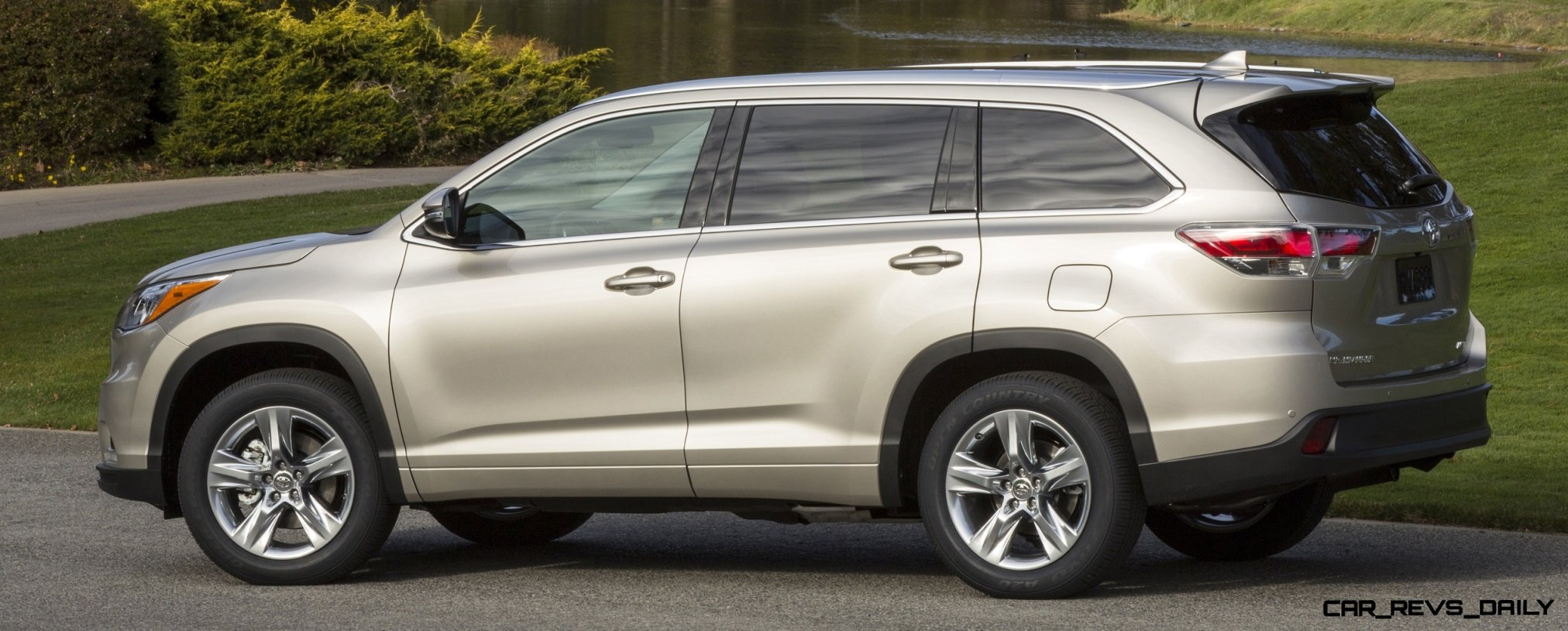 Carrevsdaily 2014 toyota highlander exterior photo41 Toyota highlander 2014 exterior