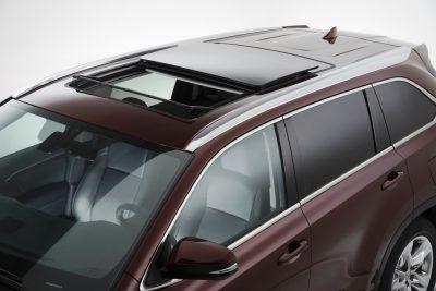 CarRevsDaily - 2014 Toyota Highlander Exterior Photo5