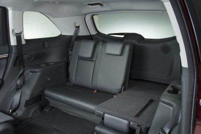 CarRevsDaily - 2014 Toyota Highlander Interior Photo12