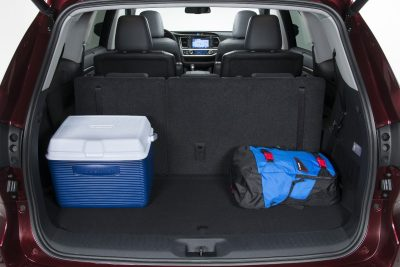CarRevsDaily - 2014 Toyota Highlander Interior Photo13