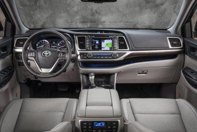 CarRevsDaily - 2014 Toyota Highlander Interior Photo23