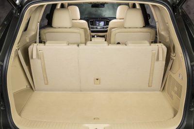 CarRevsDaily - 2014 Toyota Highlander Interior Photo25