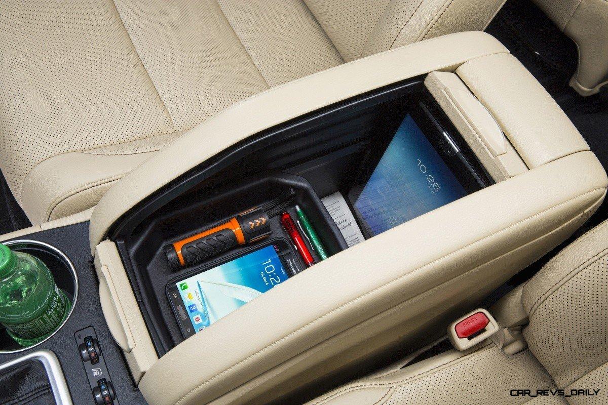 Carrevsdaily 2014 Toyota Highlander Interior Photo27