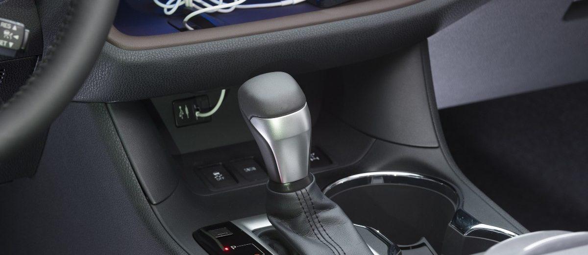 Carrevsdaily 2014 Toyota Highlander Interior Photo5