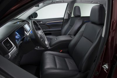 CarRevsDaily - 2014 Toyota Highlander Interior Photo6