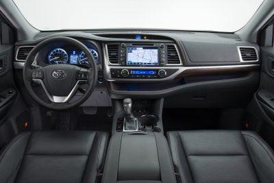CarRevsDaily - 2014 Toyota Highlander Interior Photo7