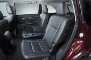 CarRevsDaily - 2014 Toyota Highlander Interior Photo9