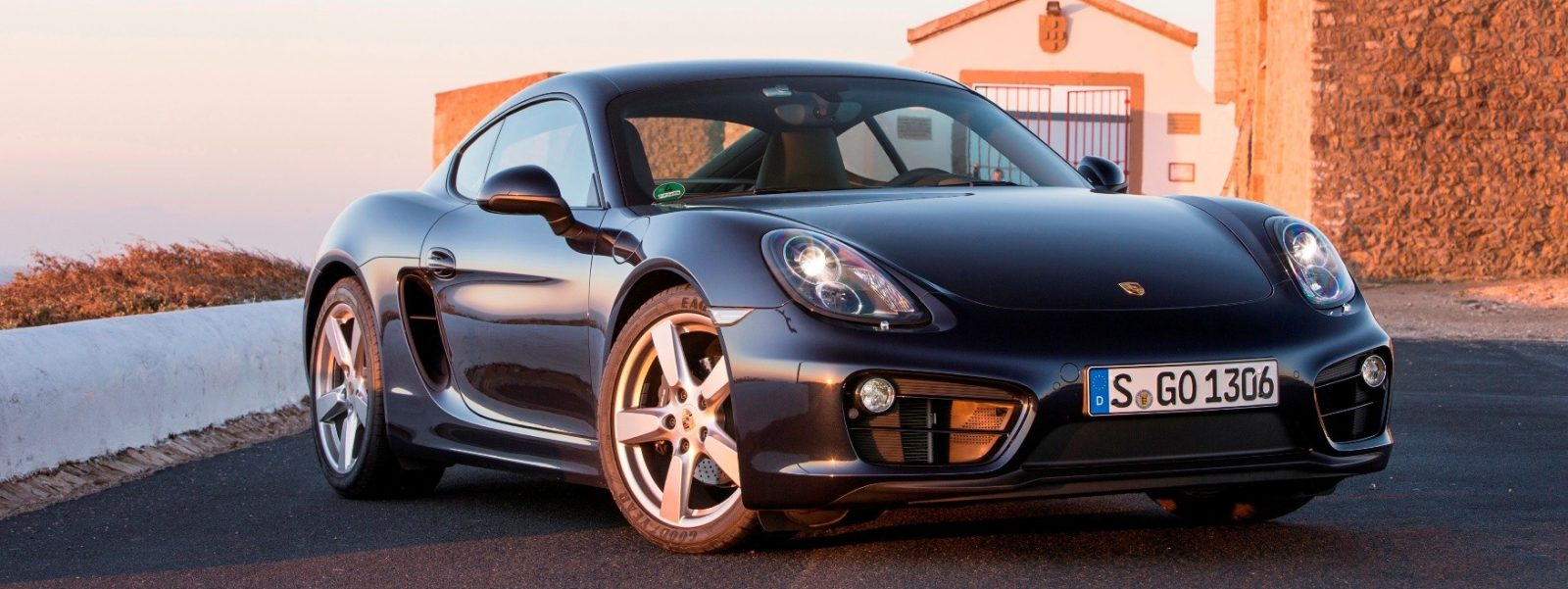 CarRevsDaily - Porsche CAYMAN Buyers Buide Photos 24