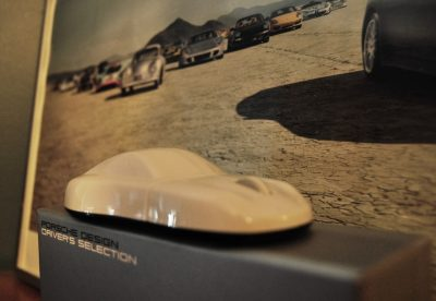 CarRevsDaily - Porsche Design Computer Mouse - Gadget Review 12