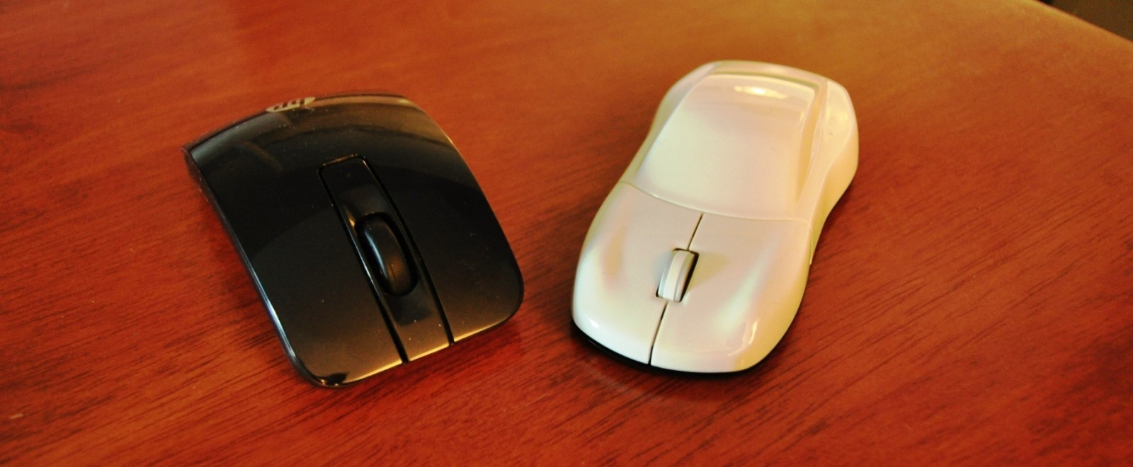 CarRevsDaily - Porsche Design Computer Mouse - Gadget Review 32