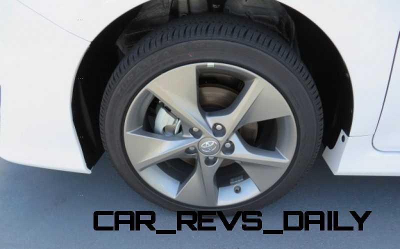 CarRevsDaily.com - 2014.5 Toyota Camry SE Buyers Guide 10