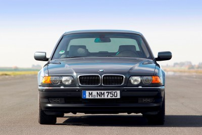 Celebrating the Evolution of the V12 BMW 7-series 36