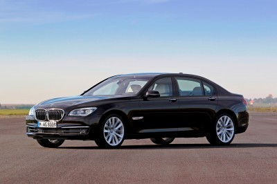 Celebrating the Evolution of the V12 BMW 7-series 60