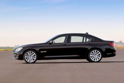 Celebrating the Evolution of the V12 BMW 7-series 61