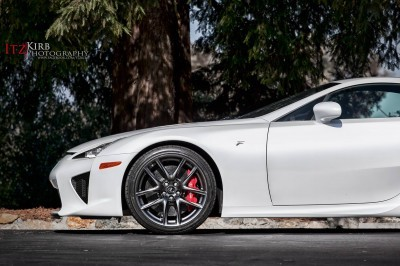 ItzKirb Photographs the Lexus LFA 5