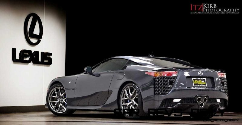 ItzKirb Photographs the Lexus LFA 9