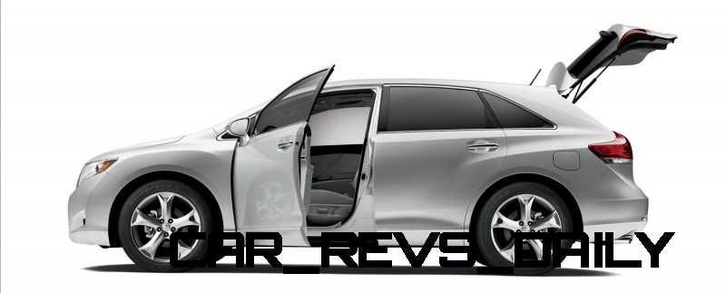 venza-silver-open-trunk