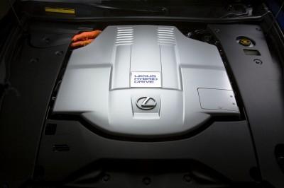 2013_Lexus_LS600h_L_Interior_011
