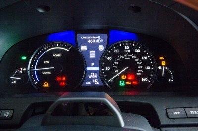 2013_Lexus_LS_600h_L_interior_006_12B073839153D82EDFD67224388F0587954666AC