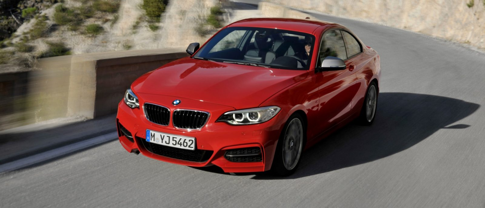 2014 BMW 228i and M235i 39