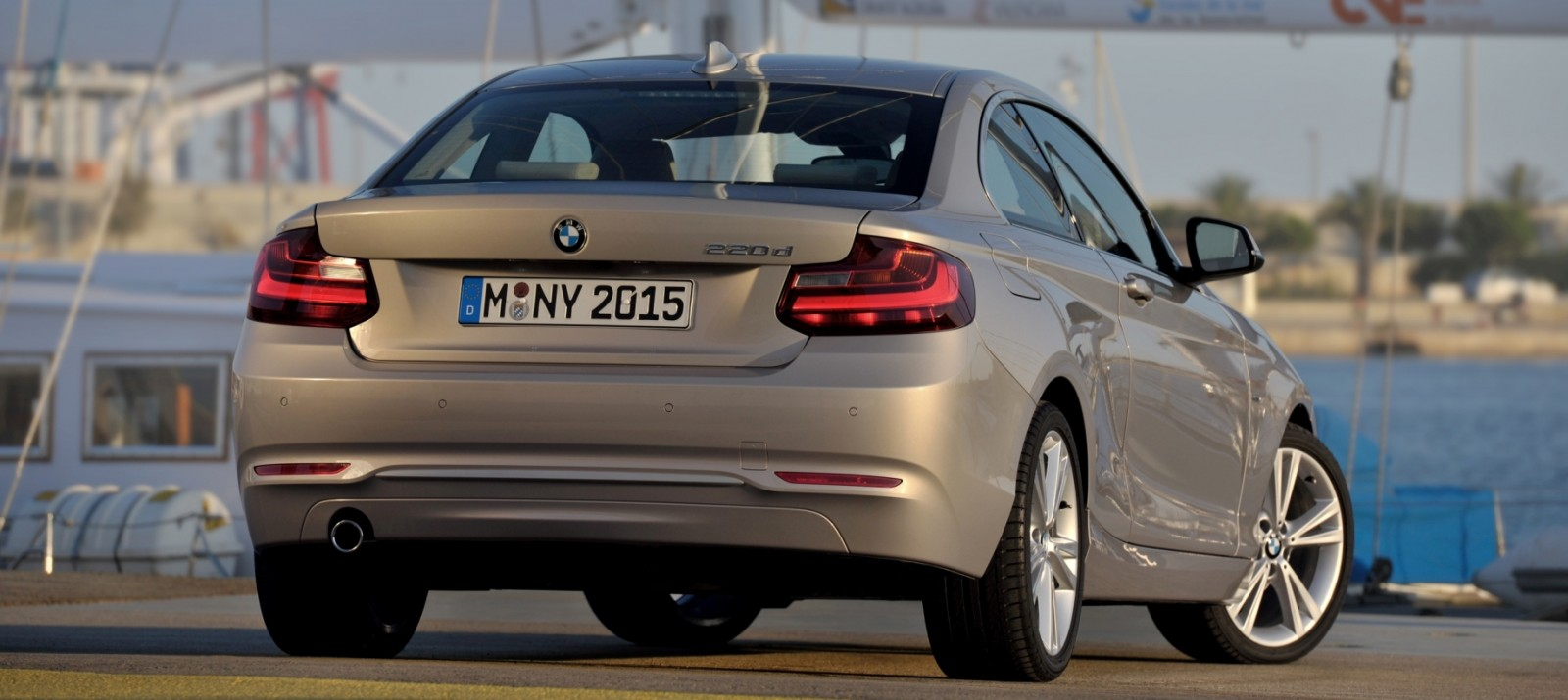 2014 BMW 228i and M235i 56
