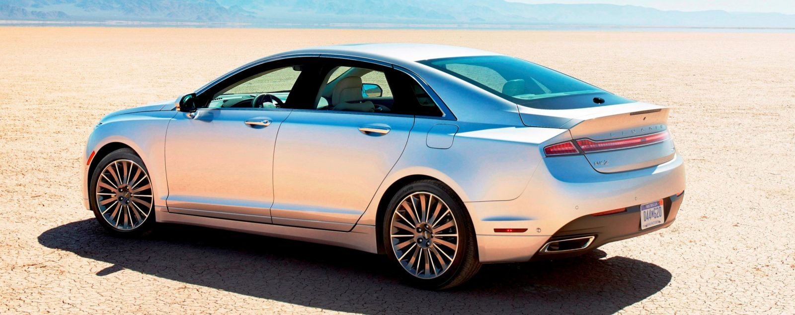 2014 lincoln mkz 3 7 awd shows very handsome kamm tail gif. Black Bedroom Furniture Sets. Home Design Ideas