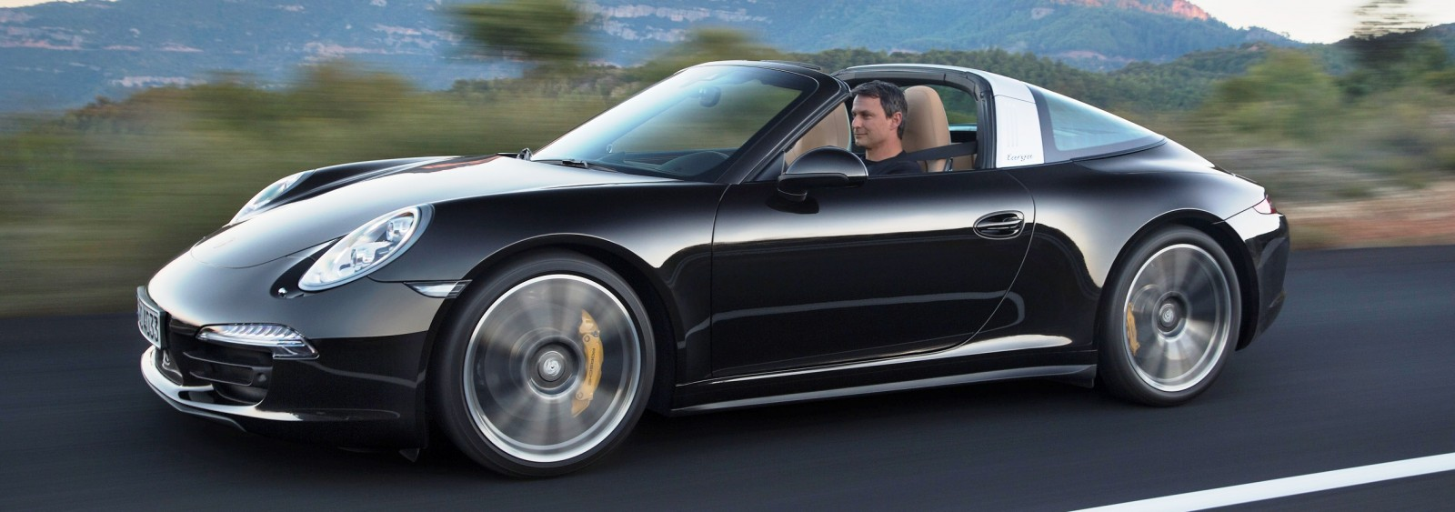 2014 Porsche 911 Targa4 and Targa4S - Roof Animations of 400HP Surf 'n Turf Supercar 1