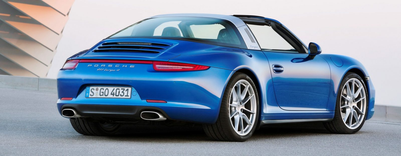 2014 Porsche 911 Targa4 and Targa4S - Roof Animations of 400HP Surf 'n Turf Supercar 12