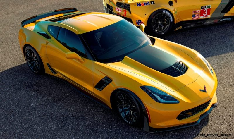 (L to R) The all-new 2015 Corvette Z06 and 2014 Corvette C7