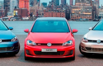 2015 VW Golf TSI 3dr Joins TDI and GTI in Brooklyn en Route to Detroit Show 20