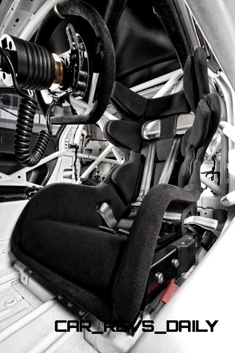 911 RSR Interior 1