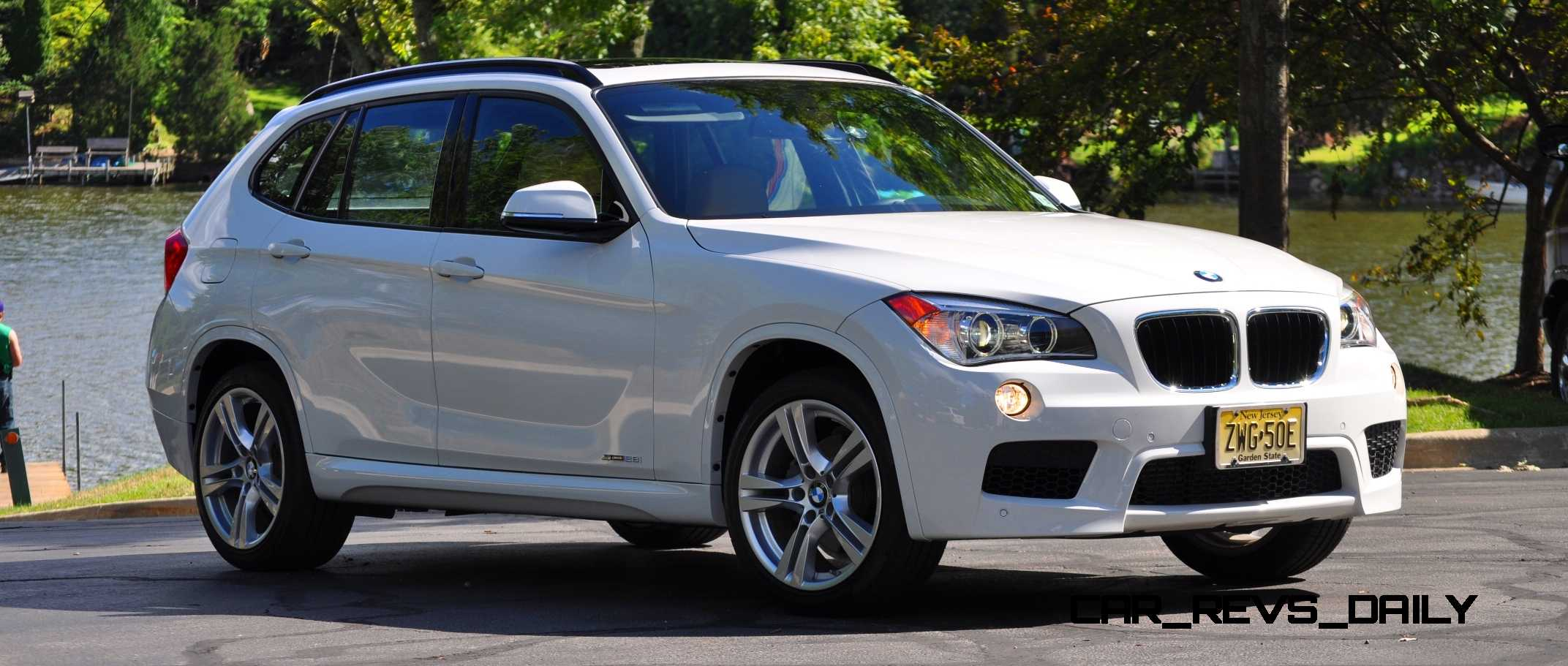 bmw x1 sdrive28i m sport alpine white in 60 high res photos. Black Bedroom Furniture Sets. Home Design Ideas