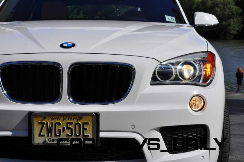 BMW X1 sDrive28i M Sport - Alpine White in 60 High-Res Photos38