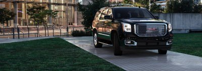 CarRevsDaily - 2015 GMC Yukon Denali - Colors - Onyx Black 49
