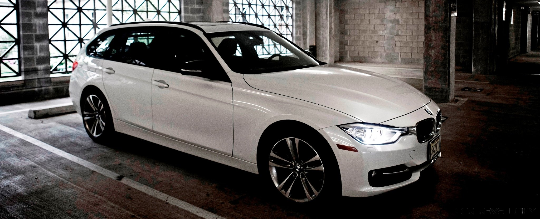 bmw 328d and 328i wagons back in u s for 2014 buyers guide car revs. Black Bedroom Furniture Sets. Home Design Ideas