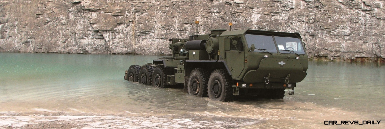 CarRevsDaily.com - Oshkosh Defense Medium and Heavy Showcase 11