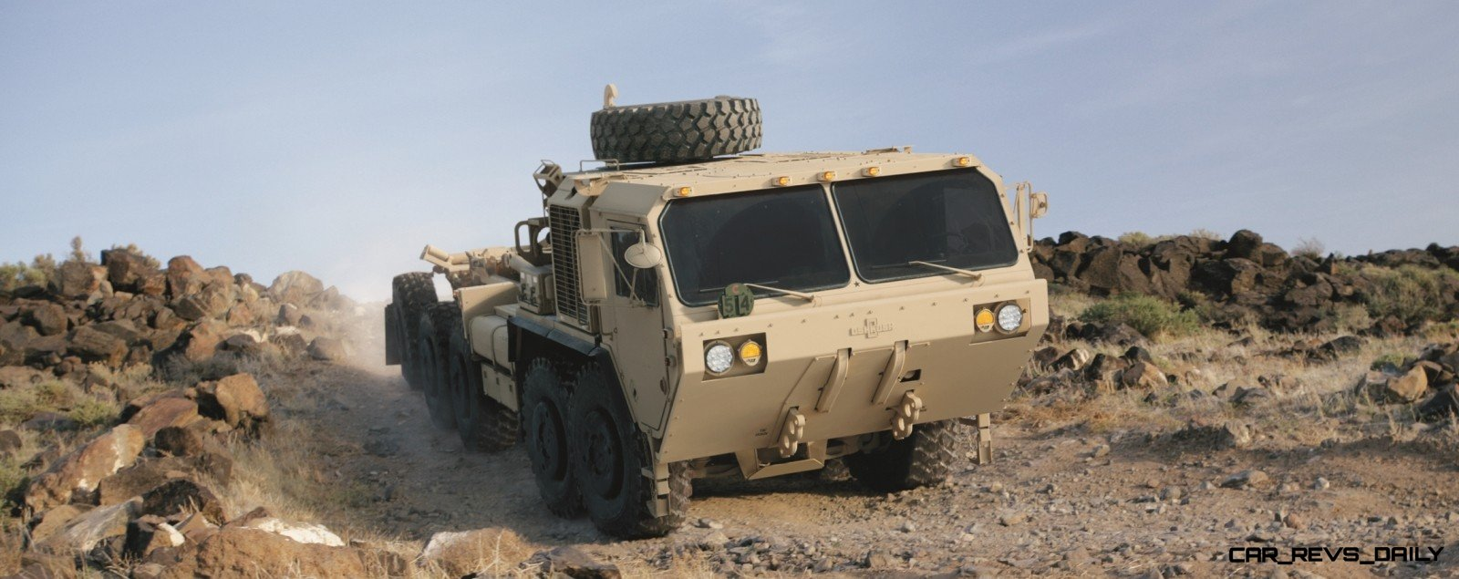 CarRevsDaily.com - Oshkosh Defense Medium and Heavy Showcase 16