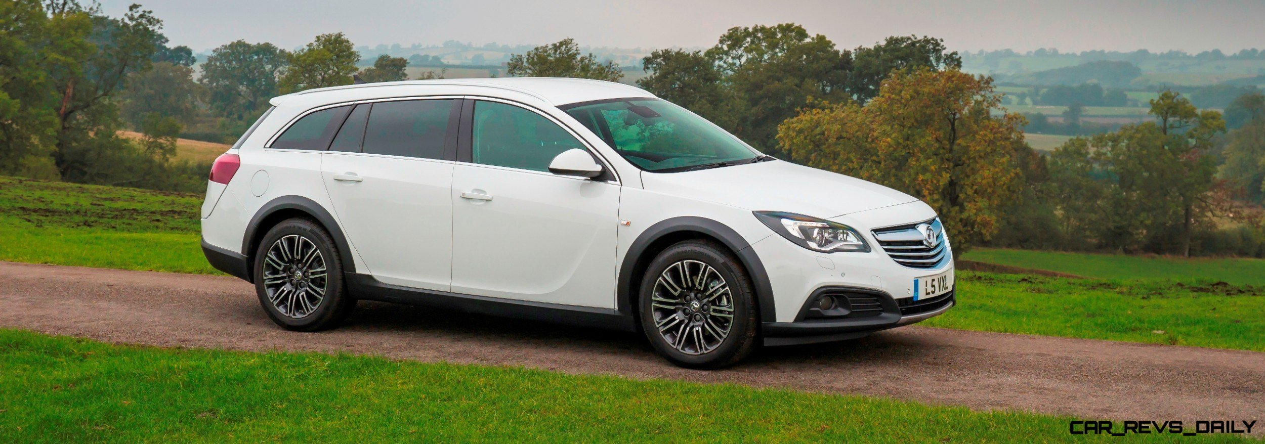 Vauxhall-Insignia-Country-Tourer-289045