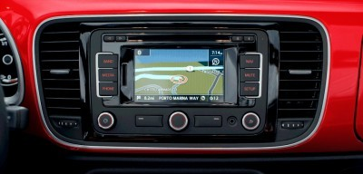 2014 VW Beetle Turbo, TDI and Cabrio   Buyers Guide and Photo Galleries  navigationSystem v2 400x192 photo
