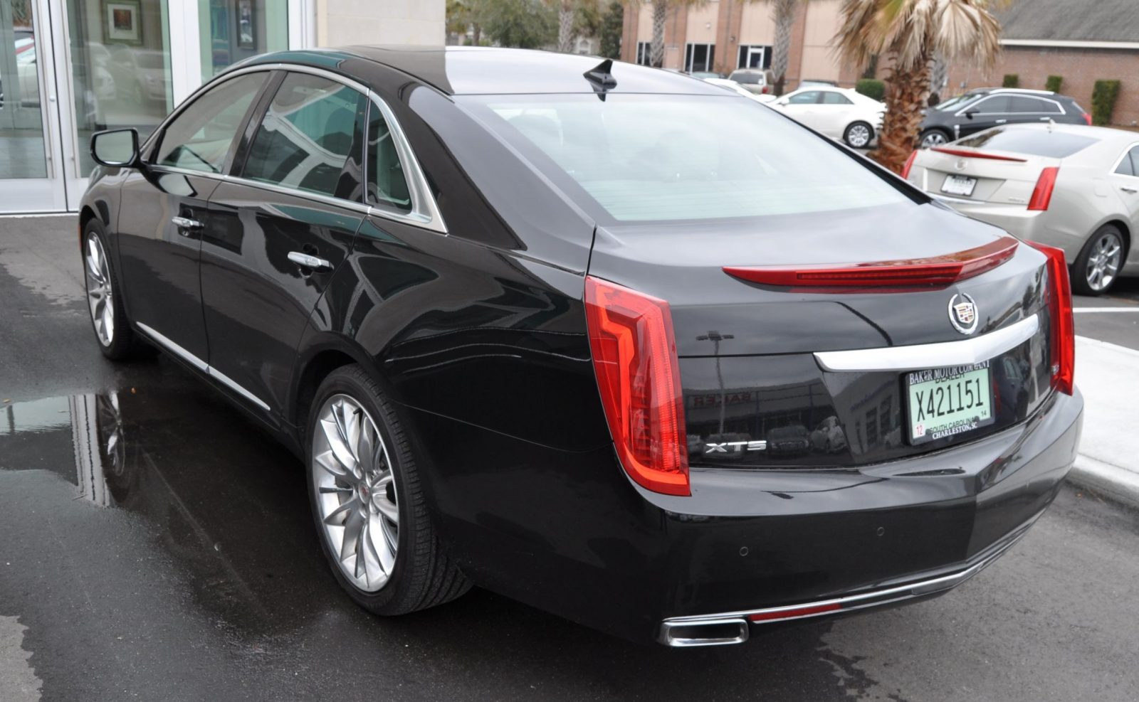 2014 Cadillac XTS4 Platinum Vsport -- First Drive Video and Photos 20