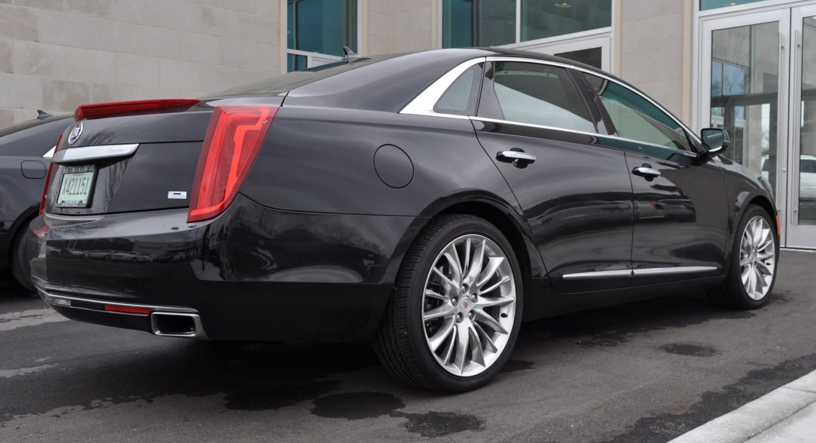 2014 Cadillac XTS4 Platinum Vsport -- First Drive Video and Photos 3