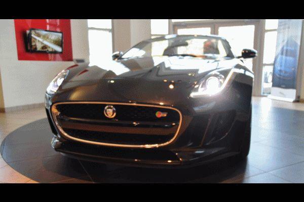 2014 Jaguar F-type S Cabrio 1 GIF