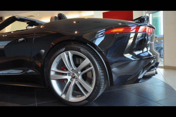 2014 Jaguar F-type S Cabrio 2 GIF