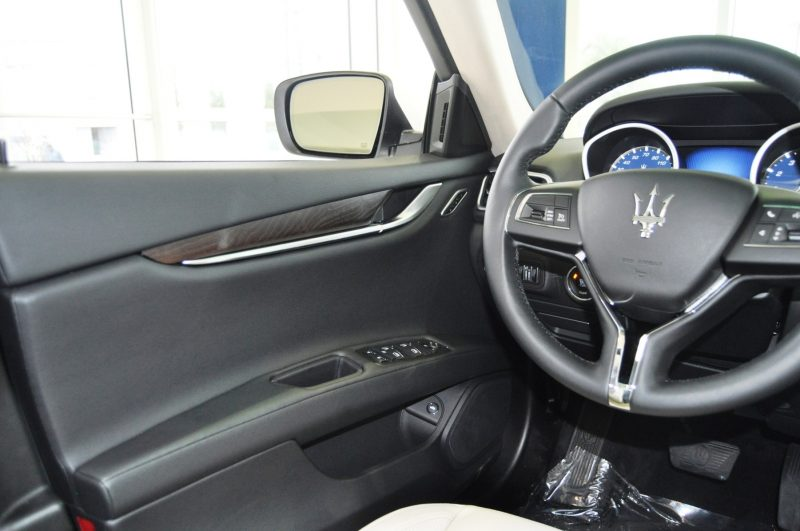2014 Maserati Ghibli Q4 -- Interior Feels Luxe and High-Quality, But Back Seat A Bit Tight 11