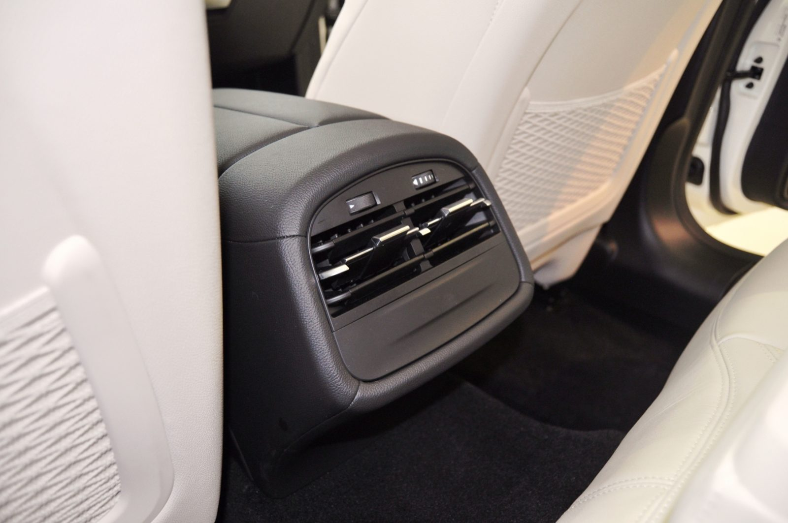 2014 Maserati Ghibli Q4 -- Interior Feels Luxe and High-Quality, But Back Seat A Bit Tight 7