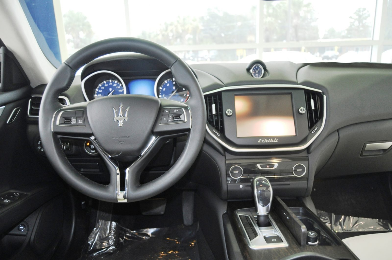 2014 Maserati Ghibli Q4 -- Interior Feels Luxe and High-Quality, But Back Seat A Bit Tight 9