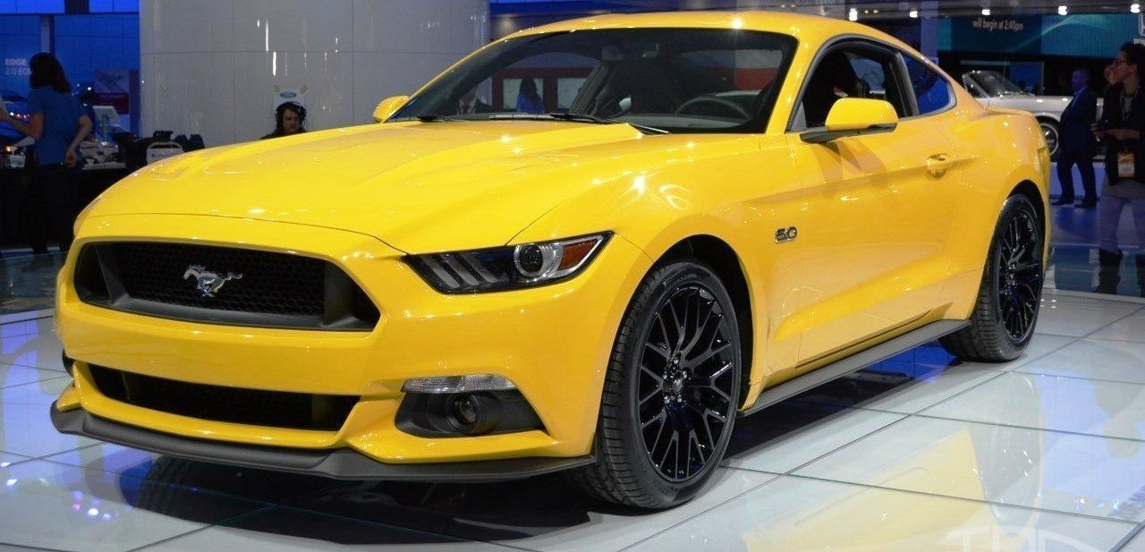 2015-Ford-Mustang-GT-at-2014-NAIAS-front-quarter
