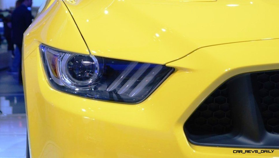 2015 Ford Mustang GT at 2014 NAIAS headlight 3 photo