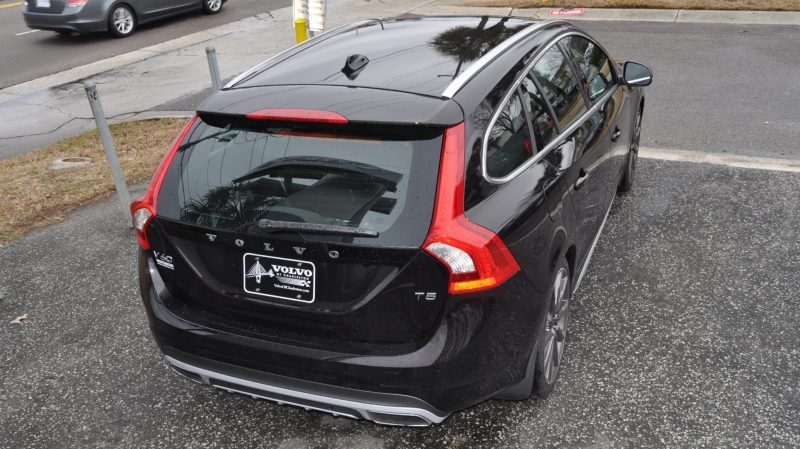 2015 Volvo V60 T5 Sport Pack -- Video Walkaround and 30 All-New Photos 17